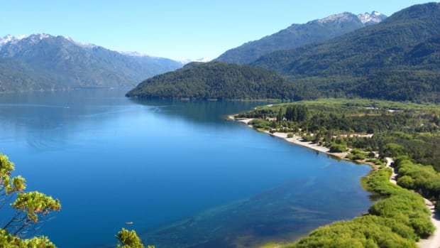 Puelo_Lake, Argentina-WikimediaCommons