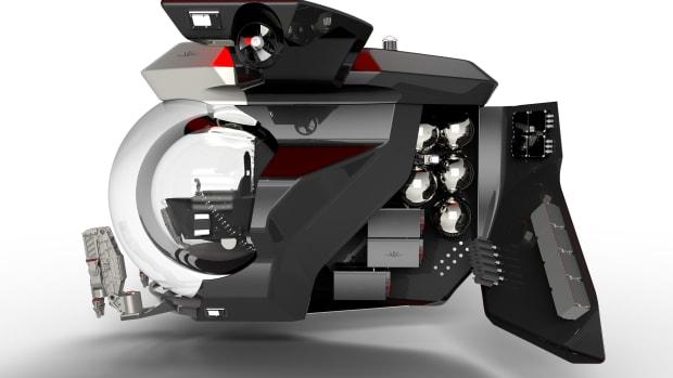 TRITON 13000-2 TE, easy access to components (c)Dark Ocean Design