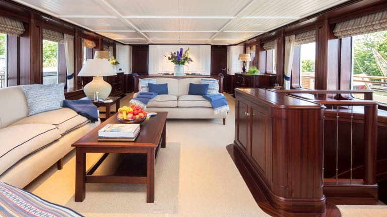 Delivered: Hakvoort 125 M/Y Soprano