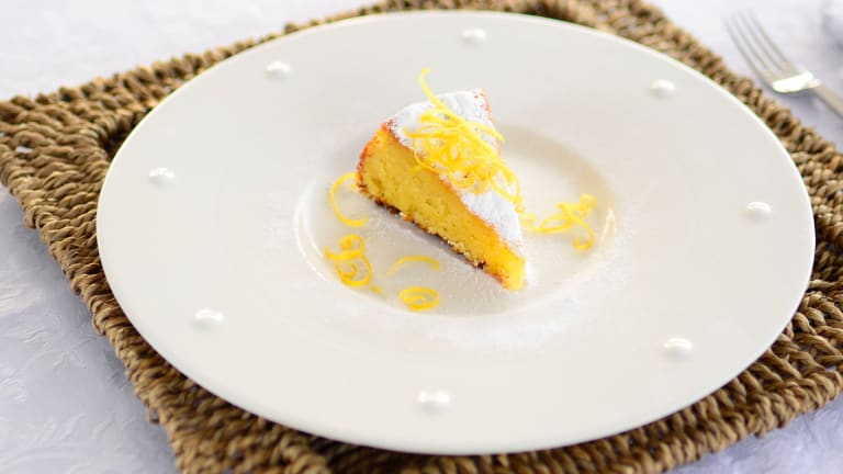 When life gives you lemons, make lemon almond cake