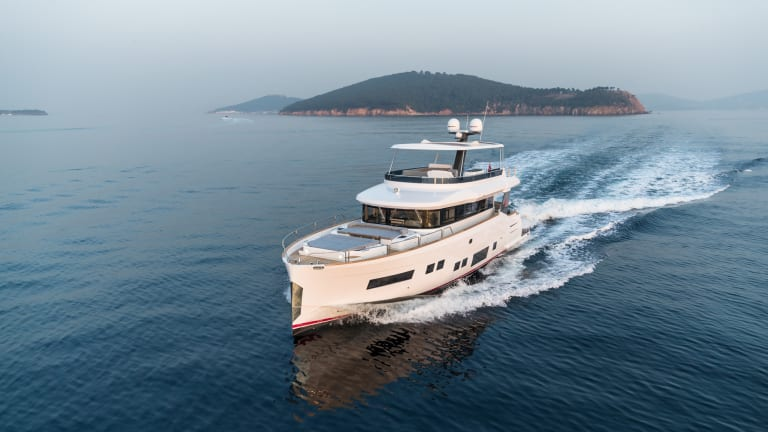 Yacht Review: Sirena 64