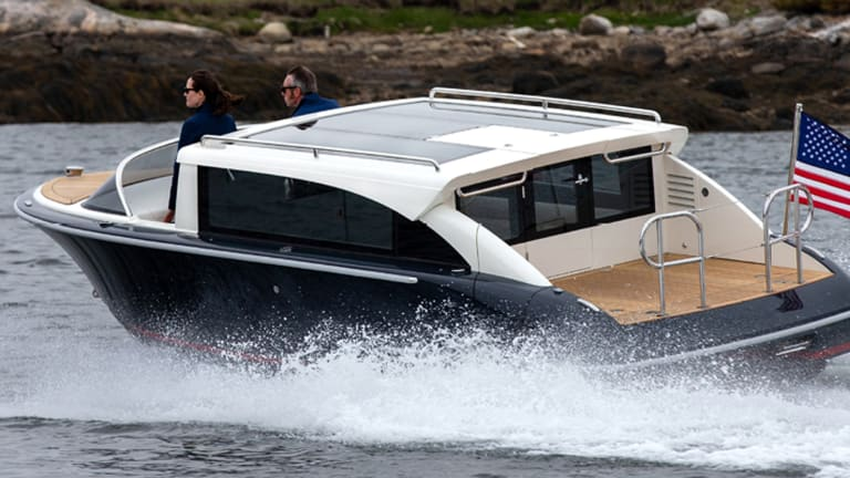 Hodgdon Launches 6.5-Meter Limo Tender