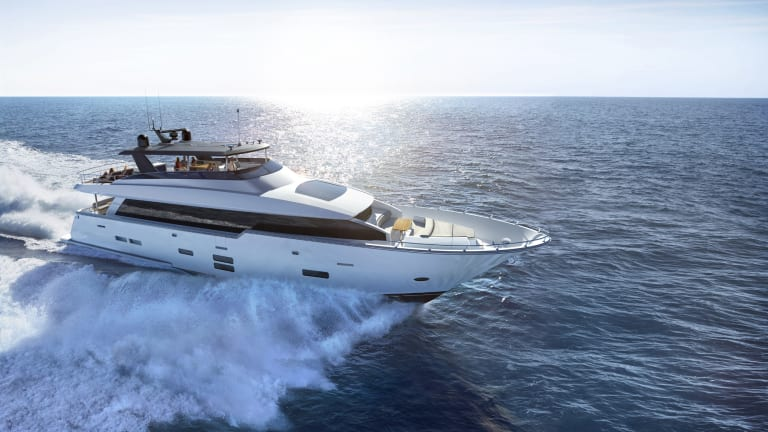 Yacht Review | Hatteras 90