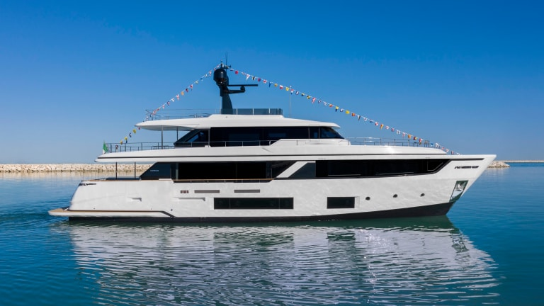 Made in Italy—Custom Line launches second Navetta 30