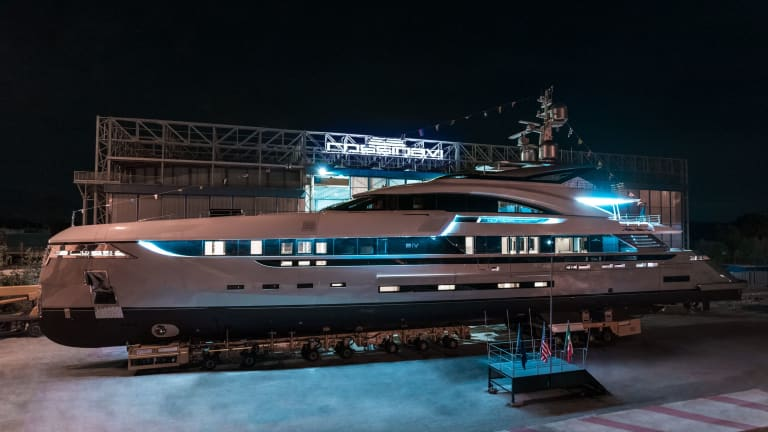 Rossinavi launches M/Y  EIV for American owner