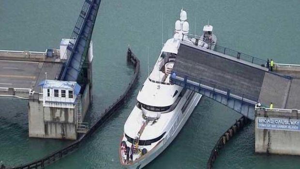 The Broad Causeway drawbridge crashed into 160-foot ROCKSTAR.