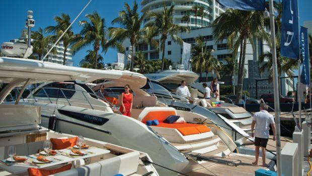 MiamiBoatShow2012-1