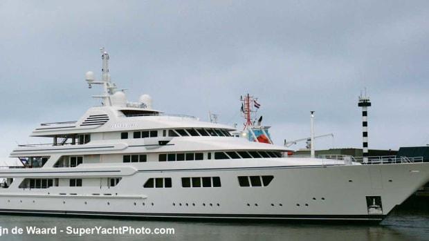 OceanVictory-Merijn-de-Waard-SuperYachtPhoto