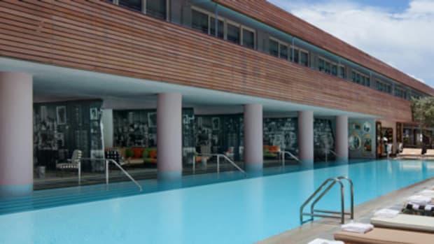 SLSHotel-SouthBeach-Pool-PhilippeStarck