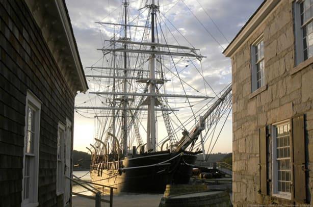 CharlesWMorgan-whaleship-1