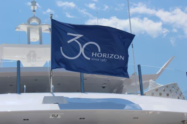 12 Horizon Yachts Rendezvous - Horizon flag 2 RP120