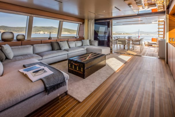 Upper deck lounge_D1A6076 Navetta 33_web