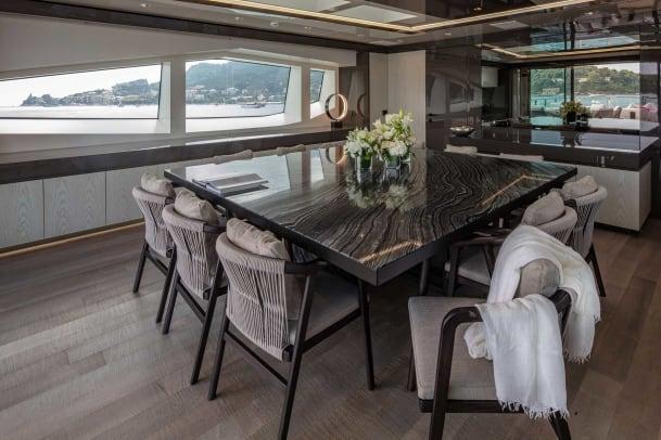 Interiors_upper_deck-(4)