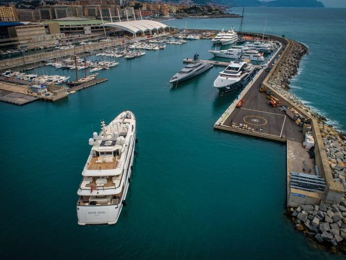 Waterfront-Marina-approach