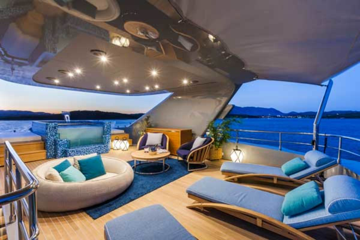 The upper deck aft offers guests the option of alfresco dining.