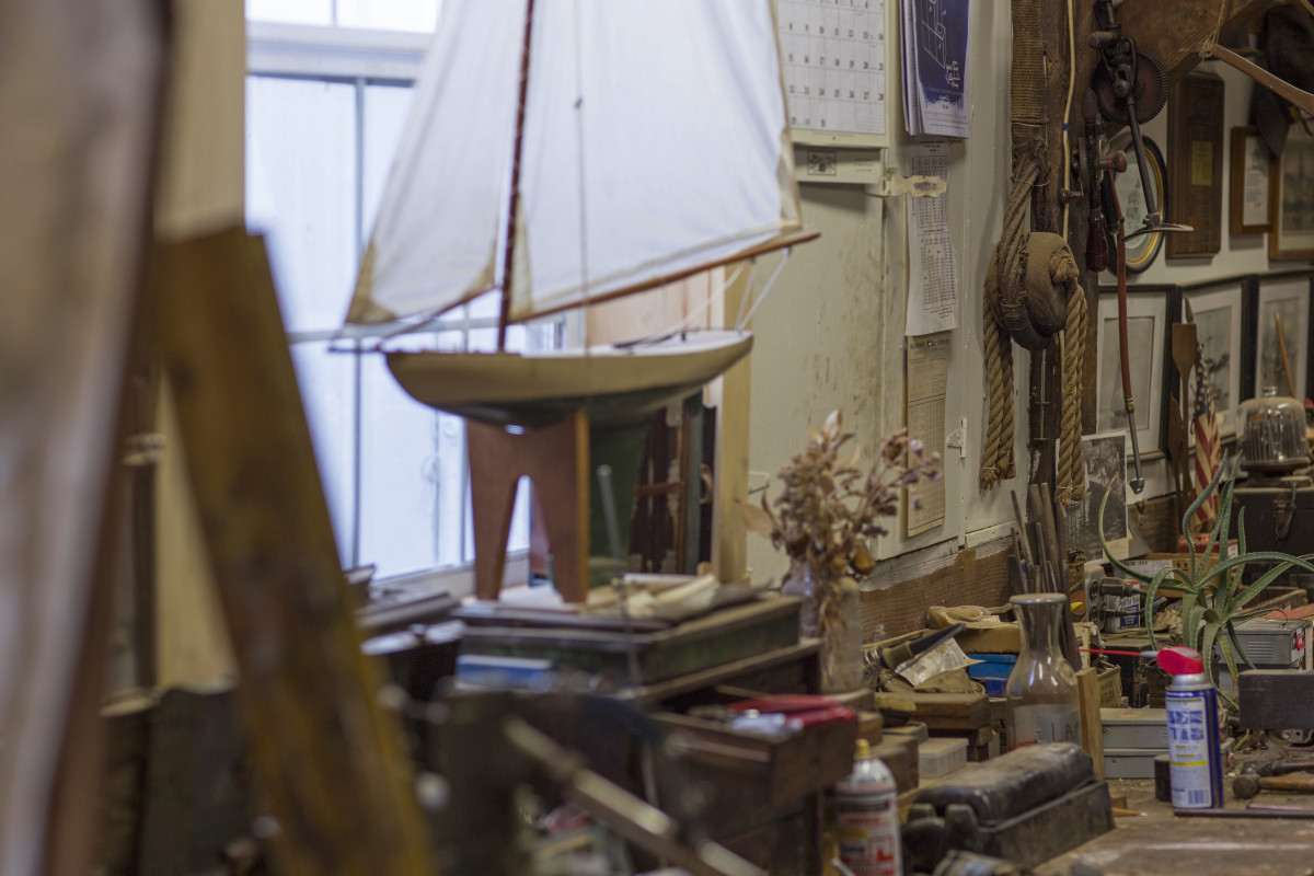 The workshops of wooden boat shipwrights Zachorne and Sons in Wickford, Rhode Island, have long been a magnet for Lee's nautical interests.