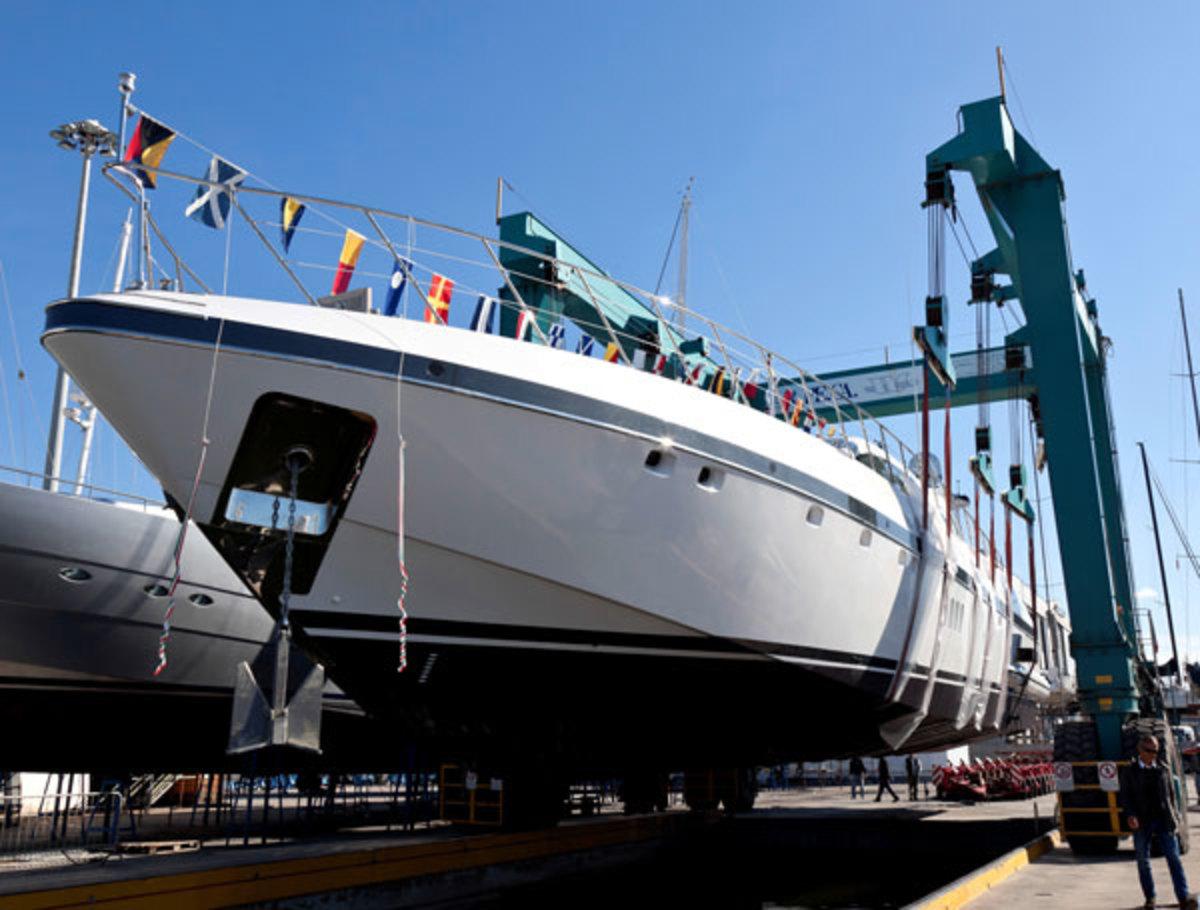 Mangusta108-Hull30-Launch
