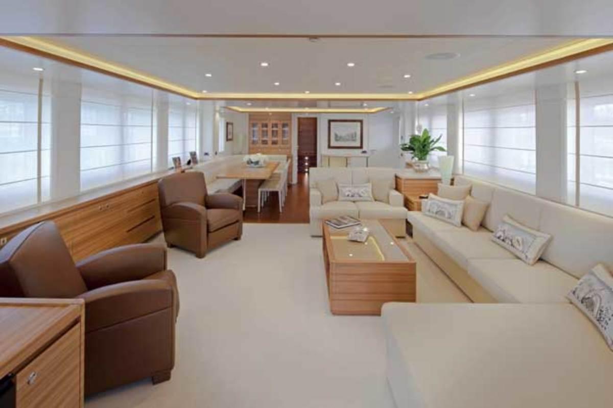 Stella di Mare's main-deck salon—human-size, but comfortable