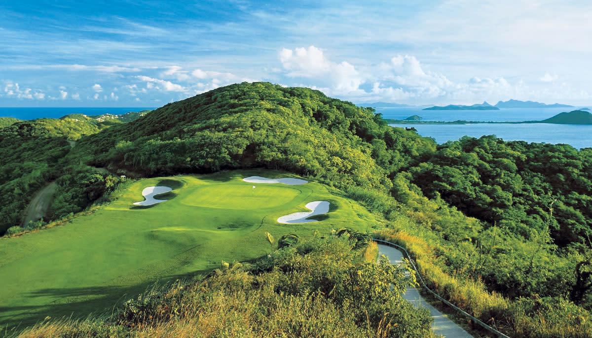 Canoua Island Course