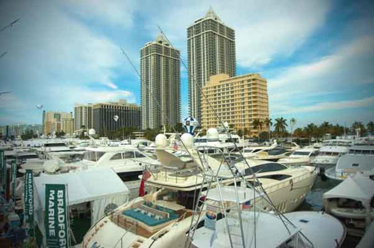 Miami Boat Show 2012