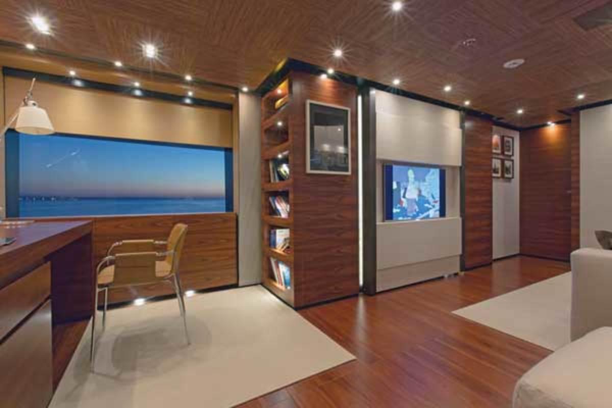 The master lounge onboard Papi du Papi
