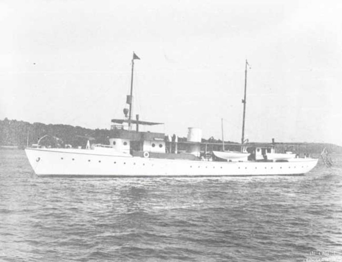 Vanderbilt's yacht Ara