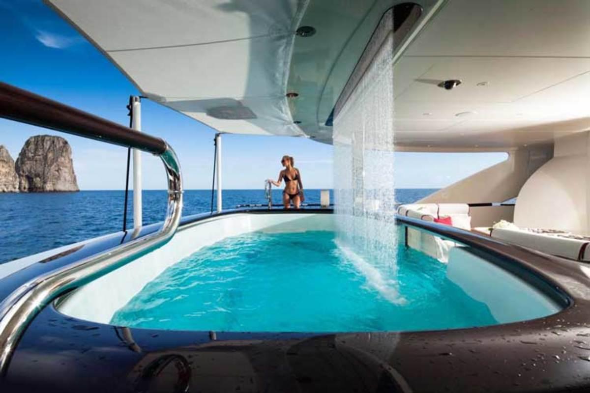 luxuryyachtx750