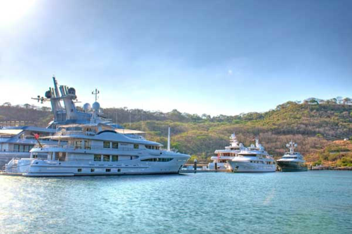 Marina Papagayo accommodates yachts up to 220 feet (67 meters) in protected deep water.