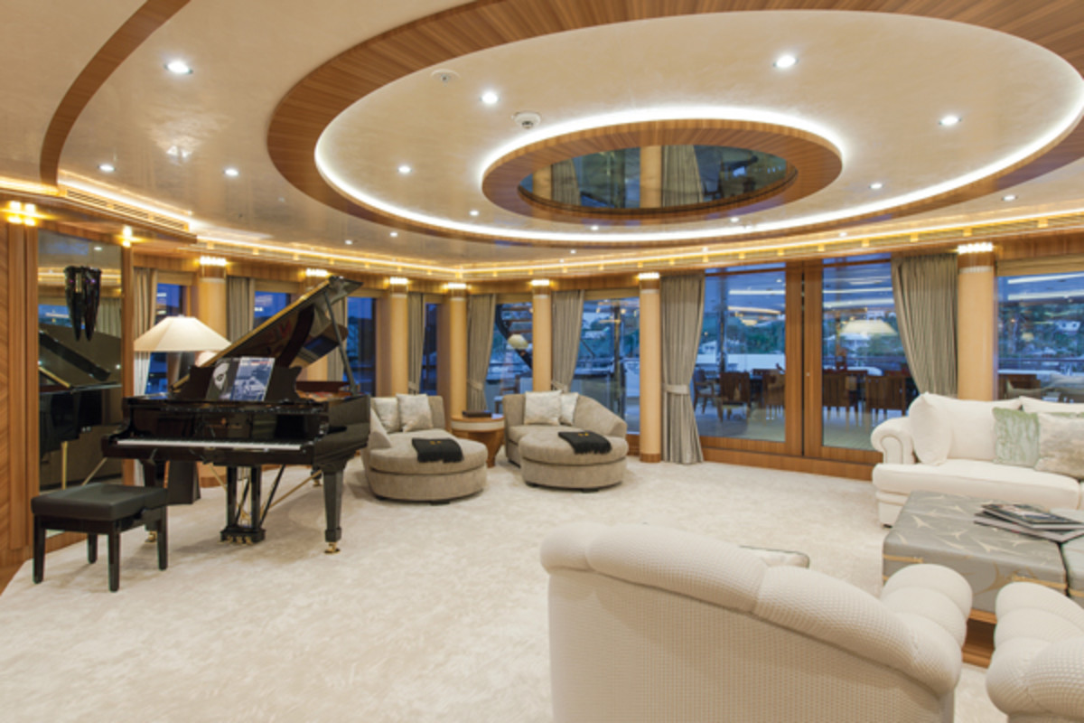 The main salon looking aft on Lurssen's Quattroelle