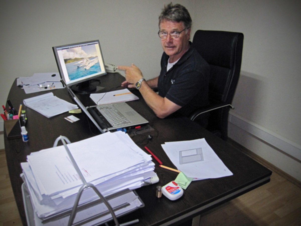 Project Manager Bob Riemens