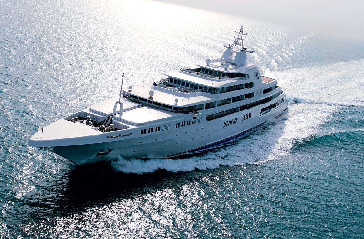 Risultati immagini per Dubai Platinum yacht