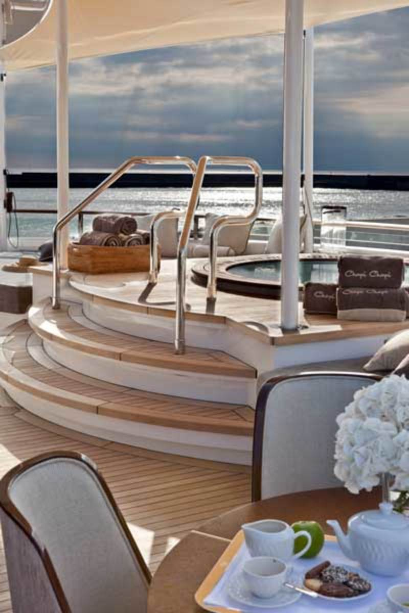 The Azimut 84's new exterior styling incorporates larger windows to enhance the interior living space.