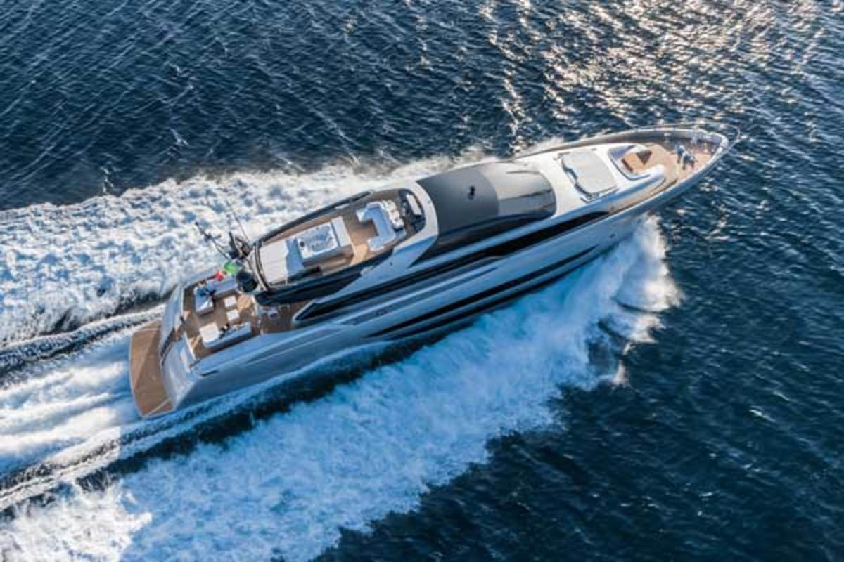 Riva's new flagship Mythos 122