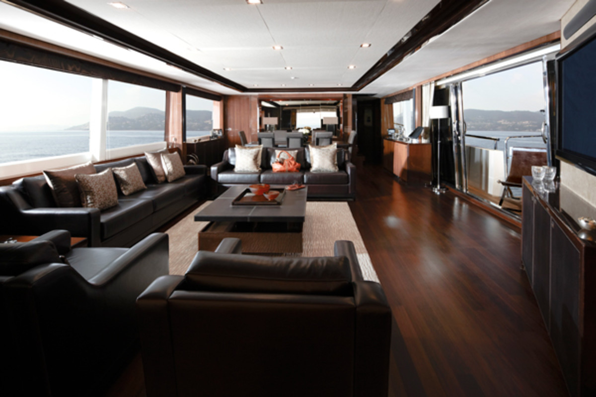 Princess32M-Saloon-RT
