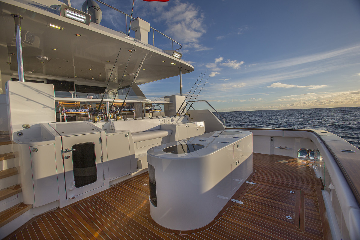 The 'California deck' provides a shaded viewpoint from which to watch the action in the cockpit while dining or lounging. (Photo by Neil Rabinowitz)