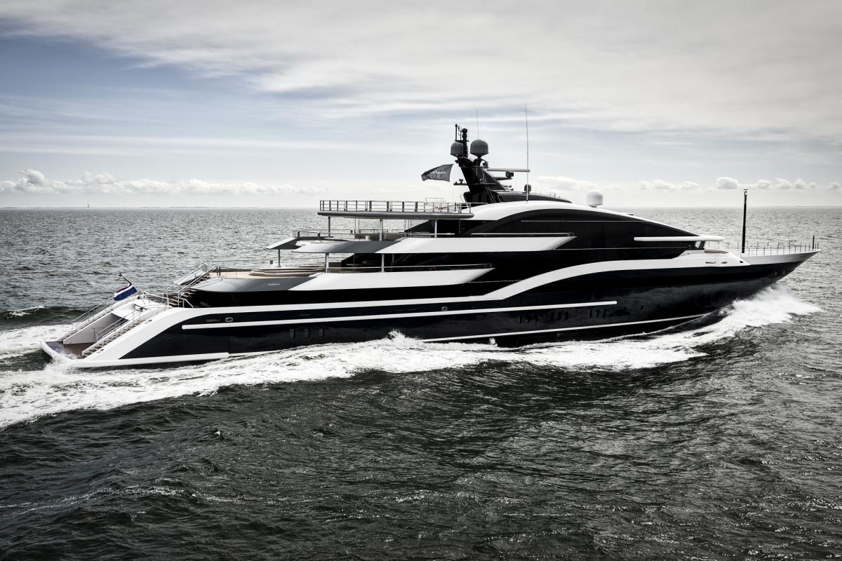 295-foot (90-meter) Luiz de Basto-designed Project Shark