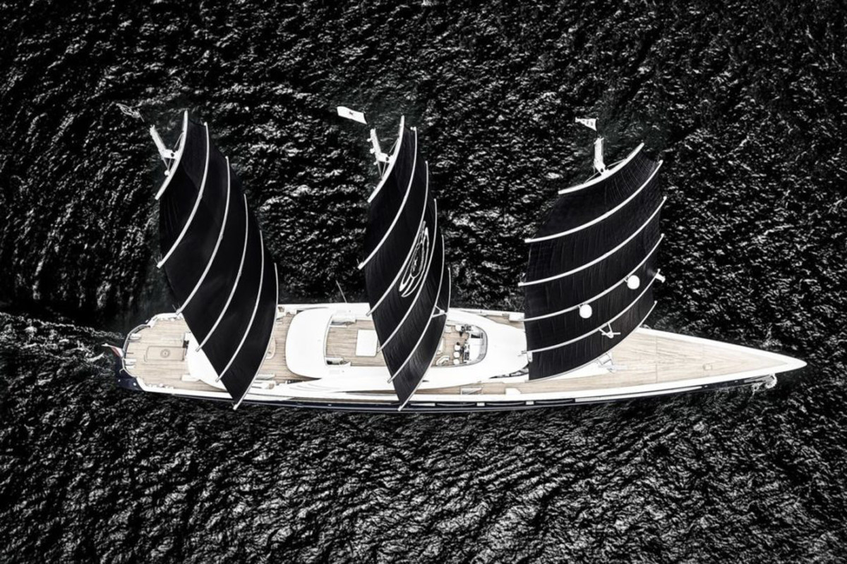 344-foot (105-meter) Black Pearl