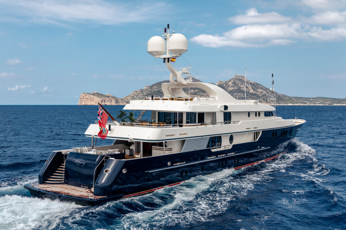 M/Y Harmony's raised aft-deck loungers increase the headroom below. (Photo: Blue I Productions)