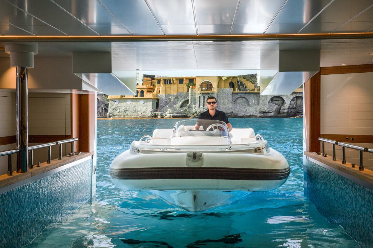 LD_float in garage 2  PT5A1651_web