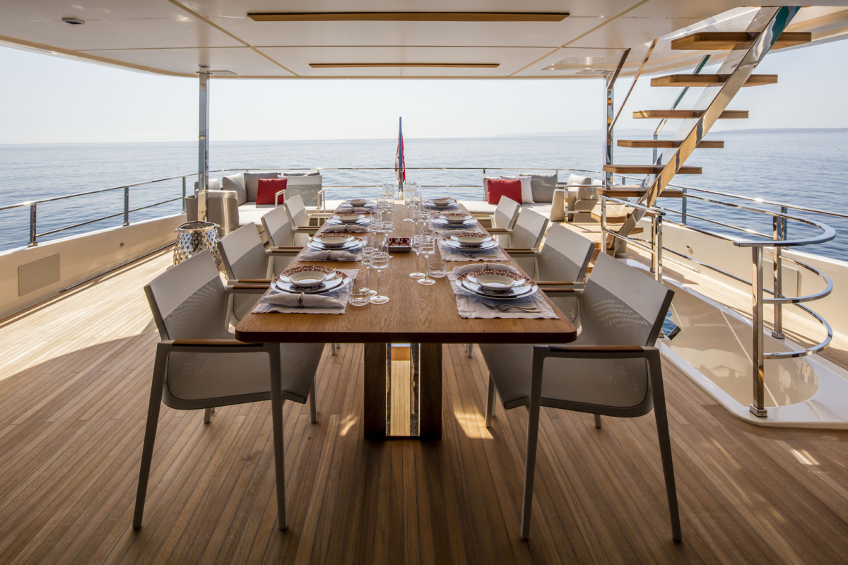 Uppeck deck al fresco dining_D1A6145_web