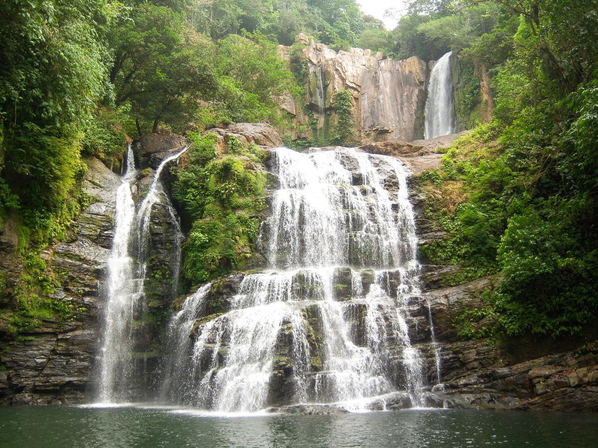El-Castillo-original-nauyaca-falls-01_web