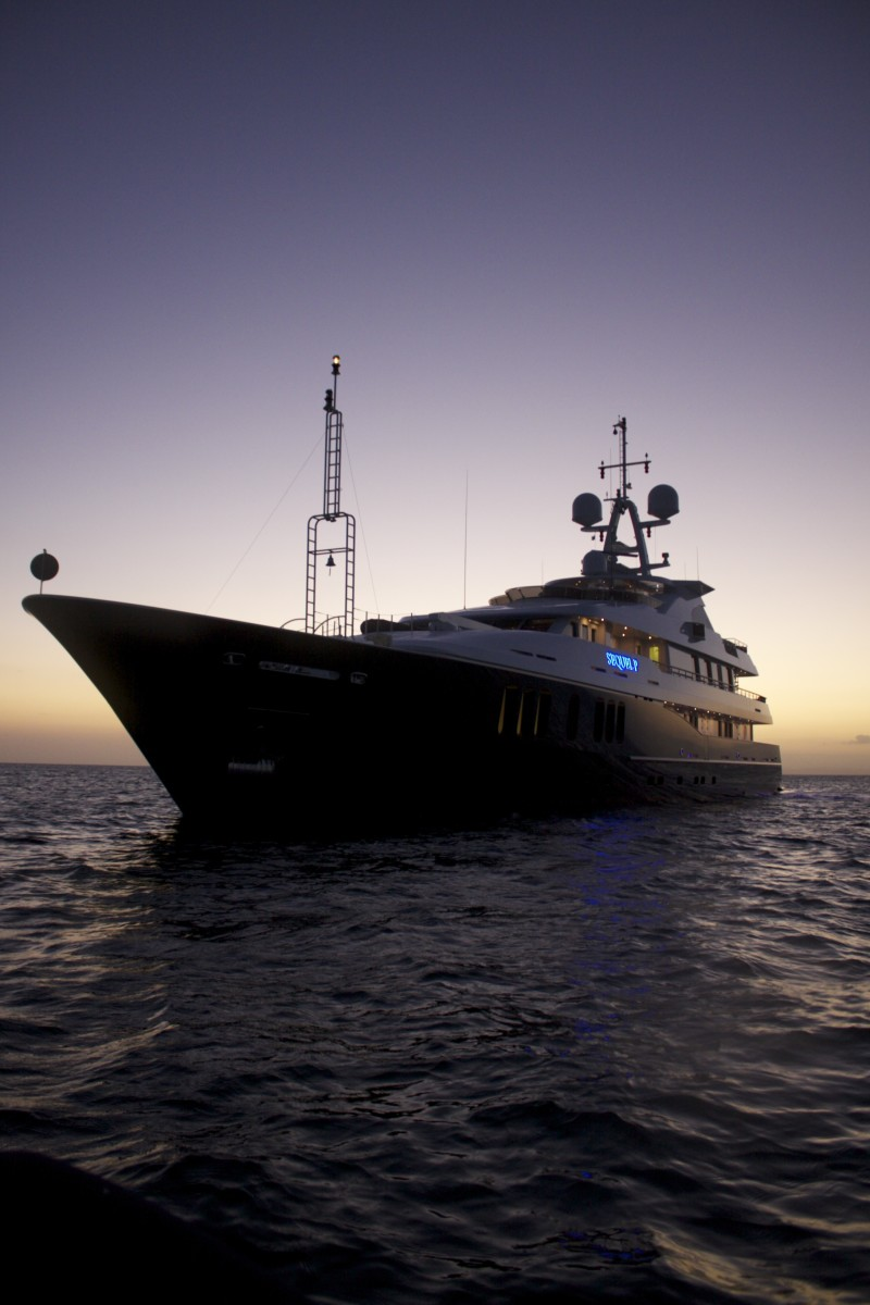 Luxury charter yacht Sequel P in Belize