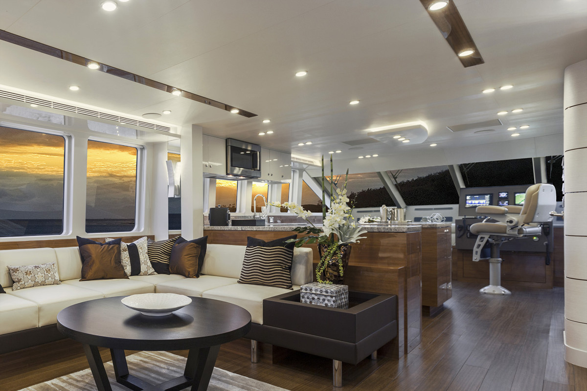 With performance being a benchmark of the new Bravo 72, it's no surprise the interior helm doubles as an inviting social area.