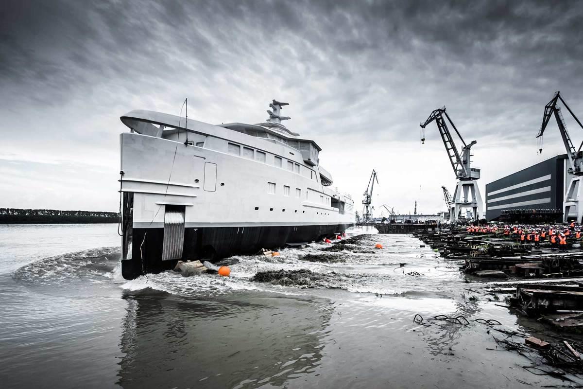 DAMEN-SeaXplorer-LA-DATCHA-launch-June-2019-(4)-sml-Photo-by-Tom-van-Oossanen