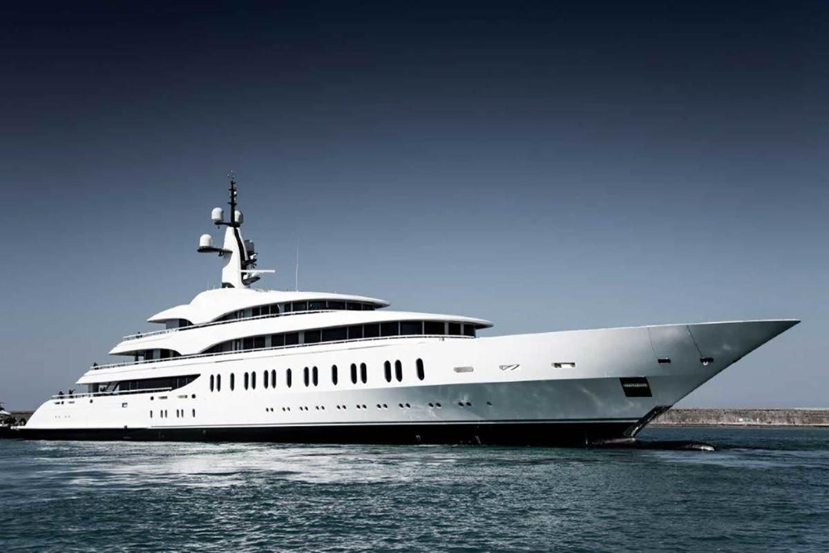 Benetti-Giga-yacht-FB275-(1)