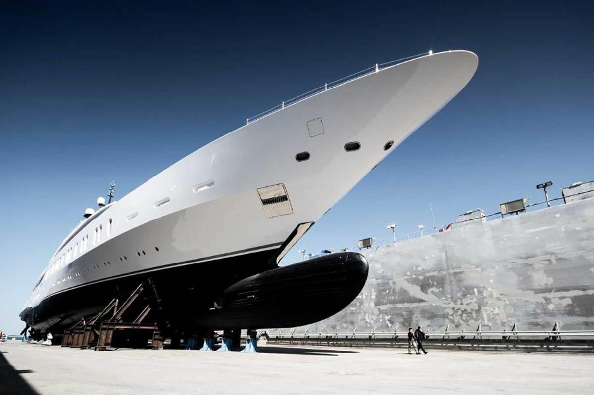Benetti-Giga-yacht-FB275-(3)