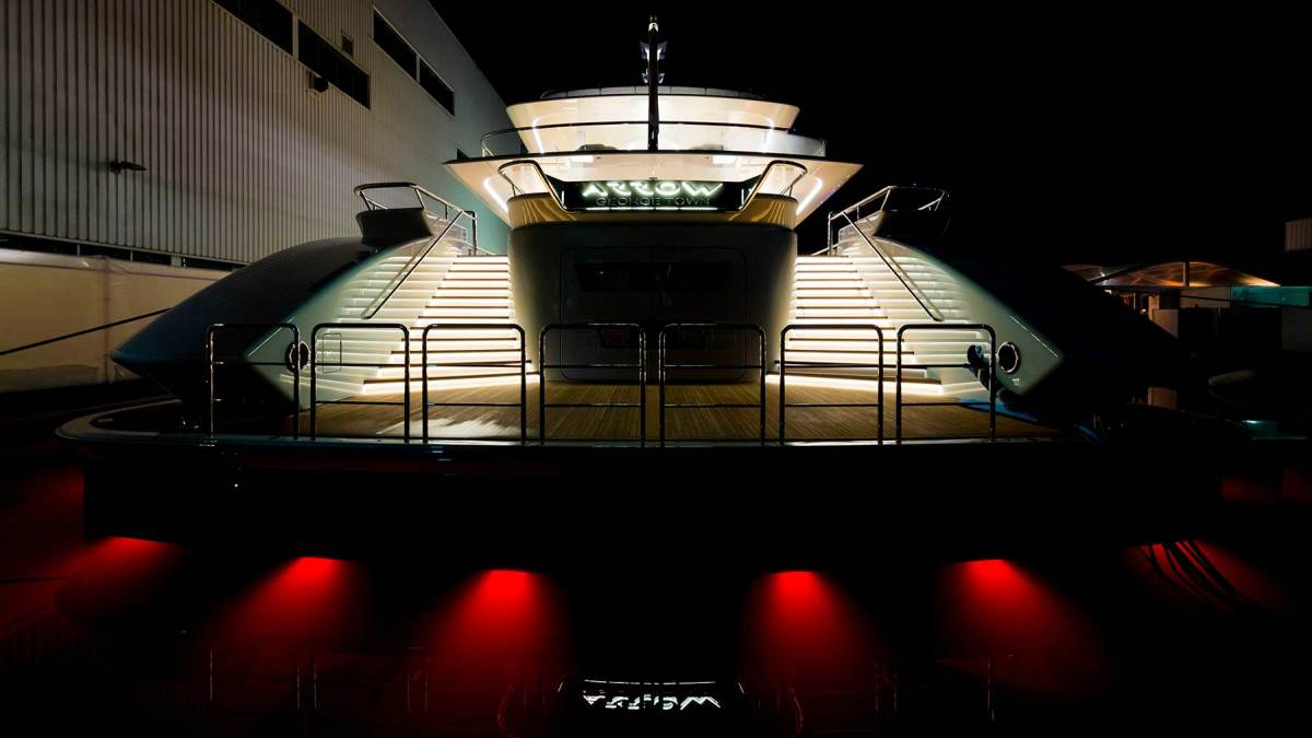 Arrow-copyright-Feadship-090
