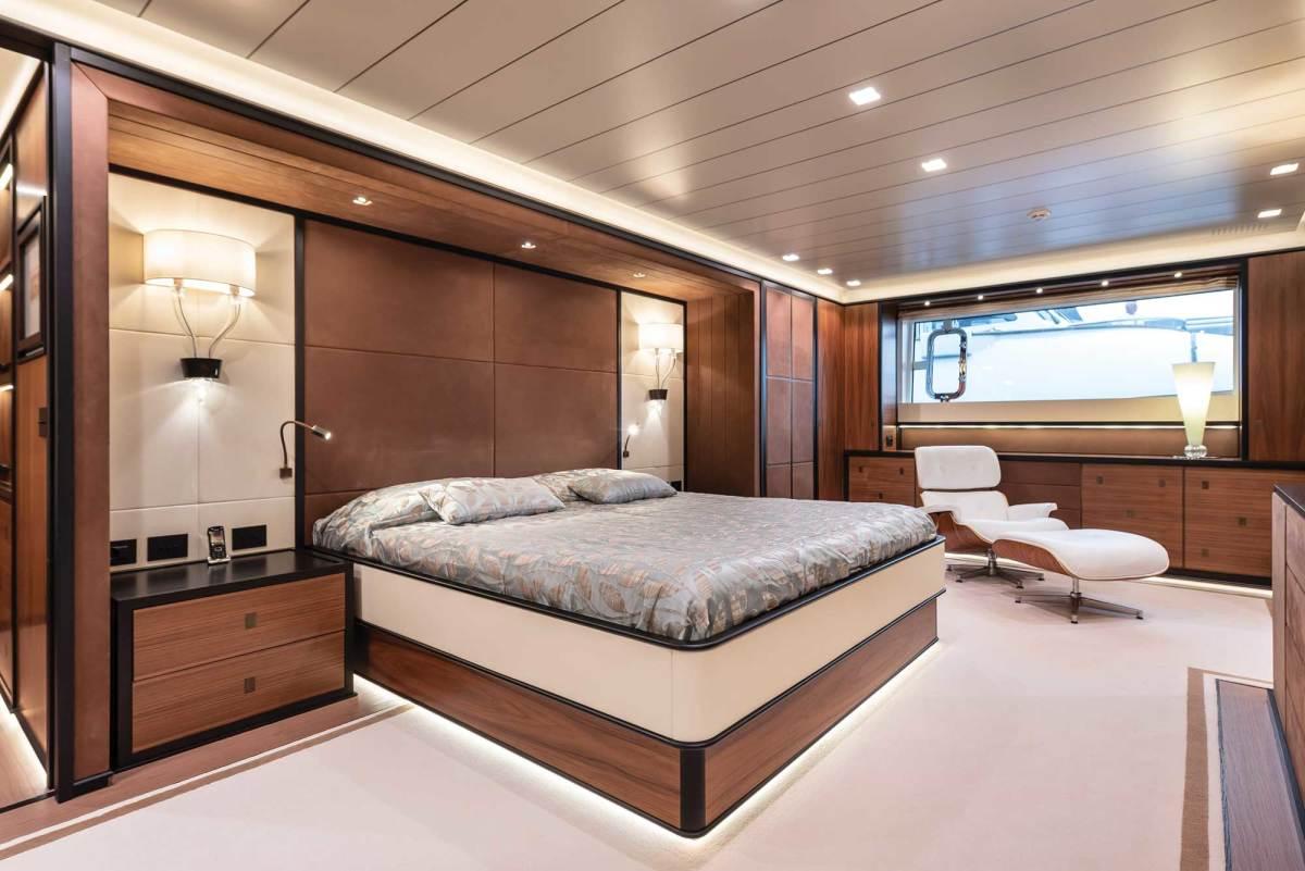 The full-beam master suite.