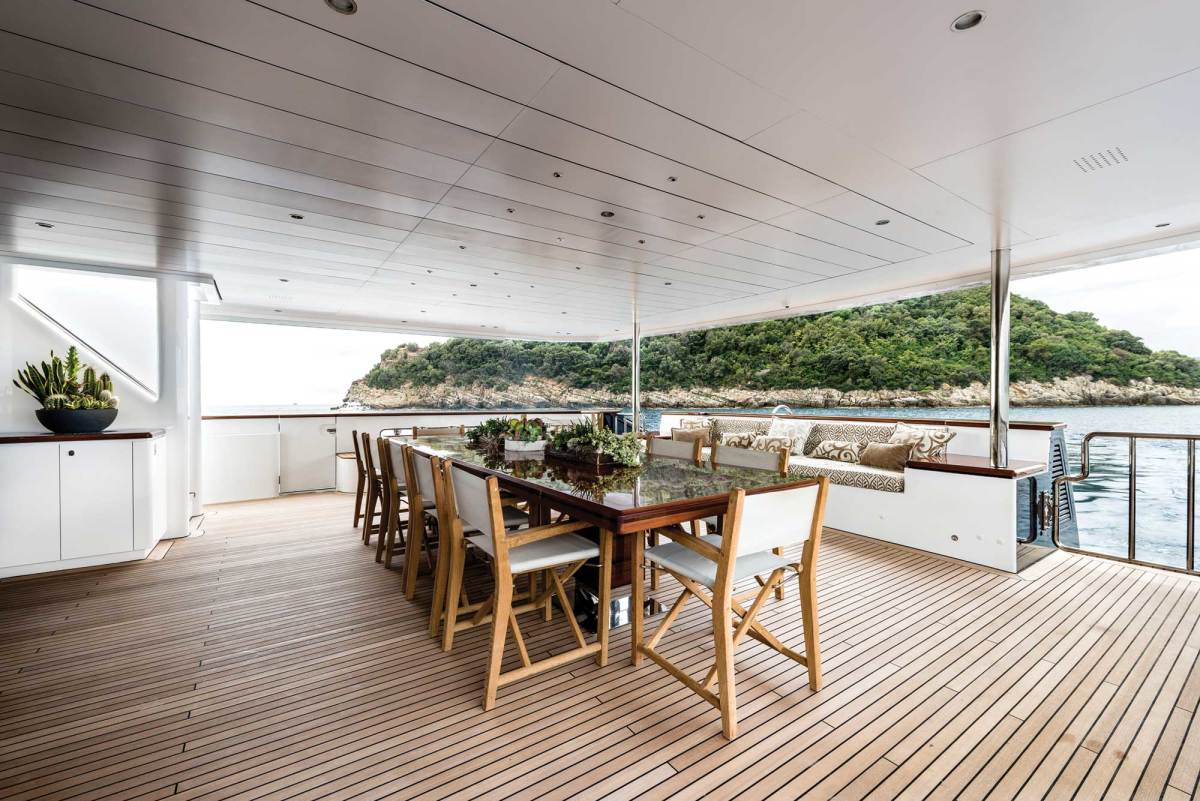 Alfresco dining on the main deck aft.