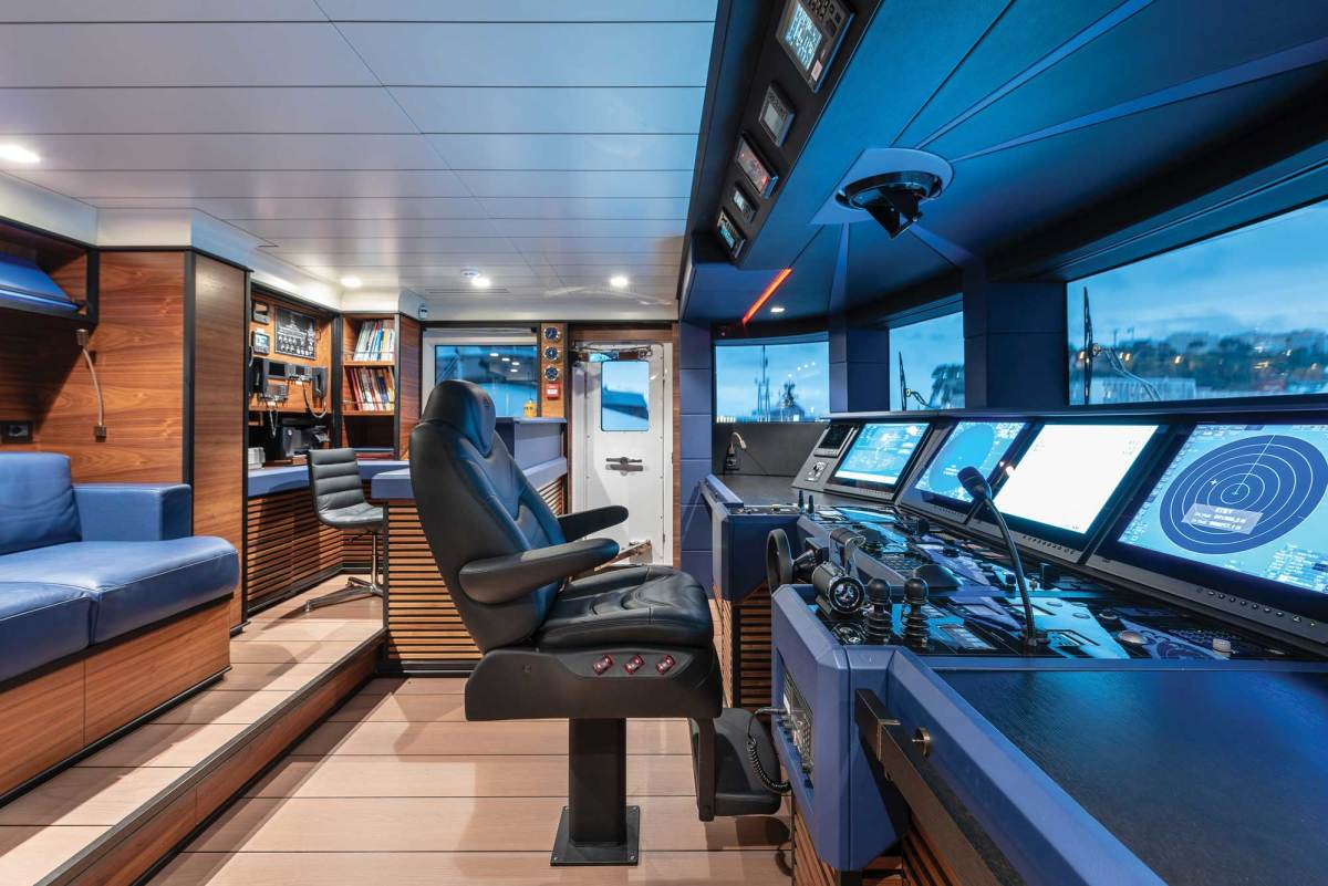 The wheelhouse is practical, spacious and tastefully finished to the same high standard as the guest areas.